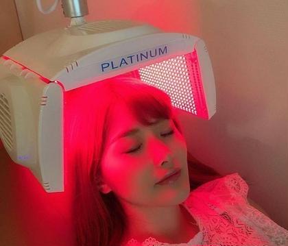 ✴初回限定✴赤色LEDと高機能頭皮美容液による頭皮エステ💆✨健やか頭皮でハリのある艶髪✨✨〈計30分照射〉