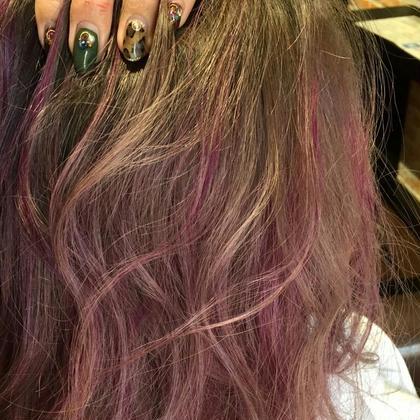 アッシュグレーのカラーに紫のデザイン!ベースにブリーチをしております MODE Ks Lumina所属・上堀愛子のスタイル