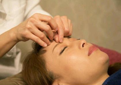 ◆ミニモ限定◆真皮層から潤うモテ美肌フェイシャル美容鍼70分(カラダとお顔の鍼)
