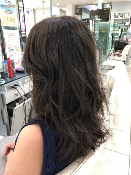 前髪を後ろに流れやすいようにカットして、大人な女性のスタイルに仕上げました QUARTER所属・小澤宏佳のスタイル