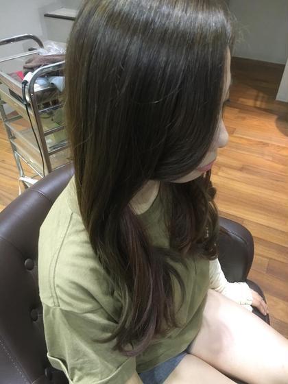 明るめのアッシュにインナーカラーピンクに(*^^*)  美容室ラガッツァ所属・東條克義のスタイル