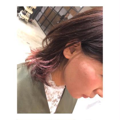 カラー ショート medium wolf style . color 【 gradation pink ✨】    えりありを長めに、 上を軽くしたウルフスタイル🍃   毛先は外ハネに、 表面は内巻きにするだけで 今っぽく。   外ハネにする毛先は ピンクで、可愛さも残しつつ かっこいい おしゃれヘアです💕