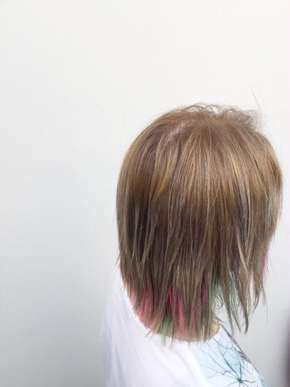 黒・茶・金と三色になってた髪の毛を思いっきり遊ばせてみました。