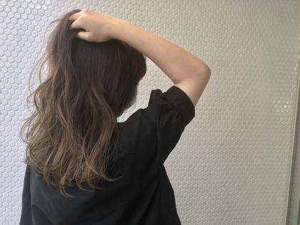 ブリーチで作る暗めグラデーションカラー。 女性らしい色気を演出してくれます^ ^ Limabylittle所属・堀彩乃のスタイル