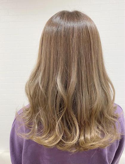 ✨minimo限定✨明るめ好きさん、ブリーチ毛の方にオススメ✨毛髪強度⬆︎⬆︎UPトリートメント付き‼️全体カラー💕