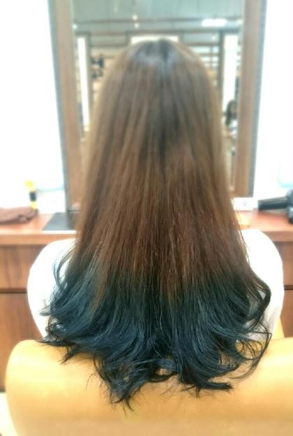 ❇ブルーグラデーション❇  毛先にブリーチからの、ブルーのカラーリング♪ ヘアークリアー蕨店所属・田坂真弓のスタイル