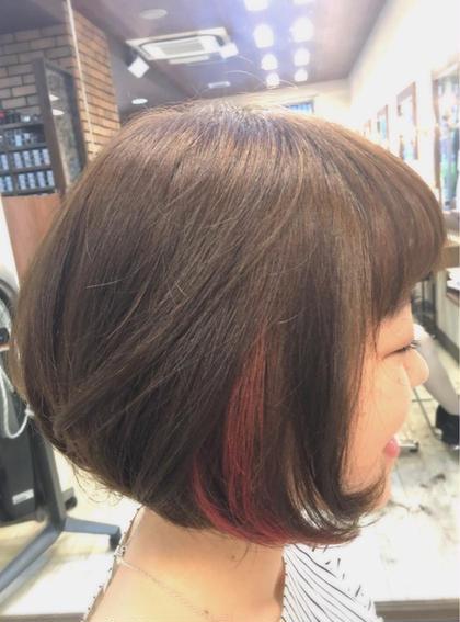 耳に掛けた時にさりげなく栄えるポイントcolor☆ お仕事や学校でcolorかできない方でも2wayでできちゃいます(^^♪ 通常のcolorに+1000円でできちゃいます♪ minim  hair (ミニムヘアー)所属・日比貴大のスタイル