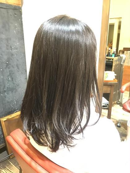 cuteな高校生のお客様(^^)/  縮毛矯正でツヤツヤさらさら!!(  ᵒ̴̶̷᷄௰ᵒ̴̶̷᷅  )  毛先は軽く遊ばせてシアバター揉み込んでセミウェットに♪  女子高生は黒髪ストレート鉄板ですからね( ´ ▽ ` )ノイェア florent所属・井筒幸大のスタイル