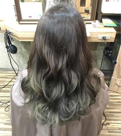 アッシュのグラデーション  この方は黒染めをしてましたがThrowのアッシュを使うとその赤みも気にならないですヽ(^o^) Hair Salon Be-one所属・田中陸のスタイル