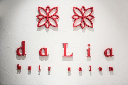 daLiahairsalon所属のdaLiahair salonのヘアカタログ