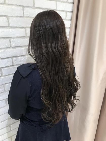 髪質改善トリートメントとイルミナカラーの効果で ツヤツヤさらさらに✨ お色もイルミナカラーならおちつかせつつ、透明感のあるお色に☺️
