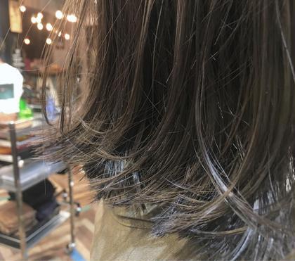 カラー  【 イルミナカラー × シアーグレージュ 】  光に透ける 透明感 たっぷりの シアーグレージュ 人気ですよ ♪