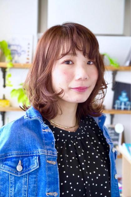 レイヤーを入れて軽さをだしたレイヤーロブ。  juno hair&eyelash あざみ野所属・沖塩京子のスタイル