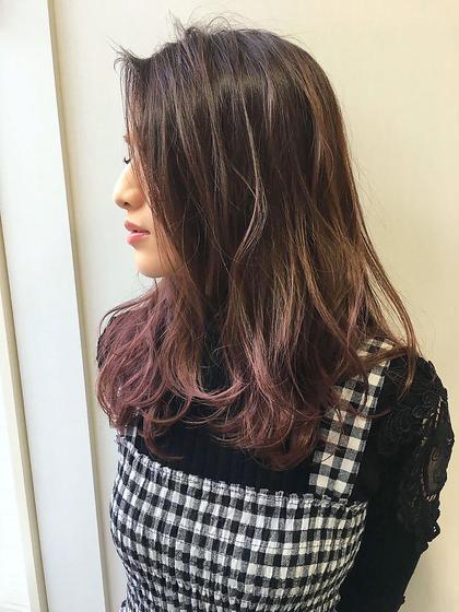カラー ロング 毛先をブリーチしてピンクパープルをオンカラー☆ 色落ちも白っぽくなる春オススメカラーです(^^) ※2回ブリーチしてる明るさがベースです