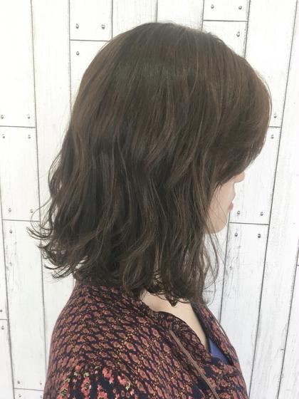 ベージュカラー CAPA能見台所属・笹川眞子のスタイル