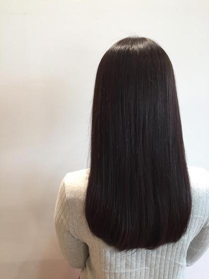 今までのストレート、縮毛矯正の常識を覆します! 最新ストレート「美革」  静岡の東部では、うちの美容院でしか このストレートはやってません!  柔らかくツヤのある 自然な直毛にします(^^)  美革マイスターの資格をもっているので 一味違うプロフェッショナルのストレートを 提供いたします(^^)