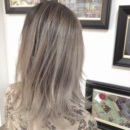 バレイヤージュハイライト 一度はやりたいハイトーンカラー✴︎ hair design Norm所属・奥原穂南のスタイル