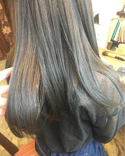 ベースが黄色味が強いブリーチ毛 ブルージュに落ち着かせました analogue所属・okazakiyumemiのスタイル