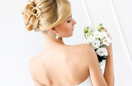 ブライダルエステで美しく✨ 笑顔も後ろ姿もより輝く花嫁様に💍✨  ※回数や期間により効果には個人差があります。