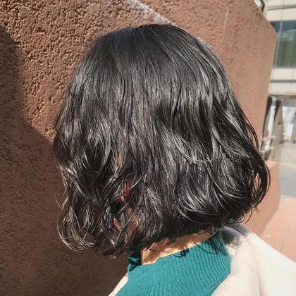 その他 カラー ショート パーマ ヘアアレンジ 地毛風暗髪カラー✨  赤味のないグレージュを体感出来ます✨✨  お仕事や学校で規則が厳しい方もお洒落を楽しめます✂︎  ✔️重く見えない地毛風カラー ✔️暗くても透けてみえる透明感 ✔️校則や規則で制限がある方にもオススメ ✔️黒髪にしたい方も勿論可能 ✔️色持ち保証  一度、僕にお任せください✨ なりたい理想を僕が実現させます😊🌈