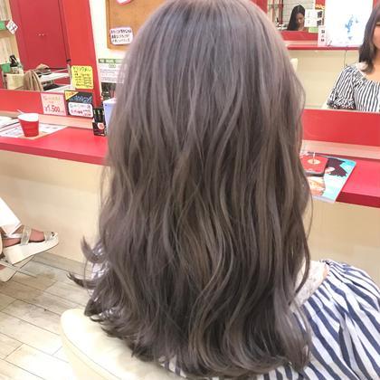 櫻井菜摘のセミロングのヘアスタイル