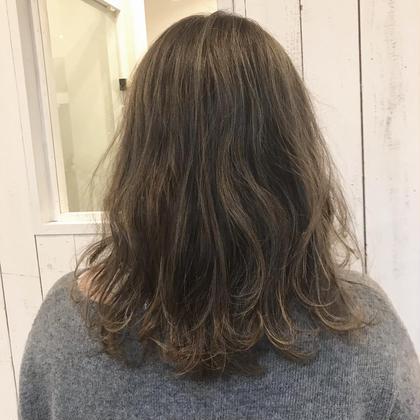 たっぷりハイライトの曖昧カラー♡ bisou  hair所属・屋比久真里奈のスタイル