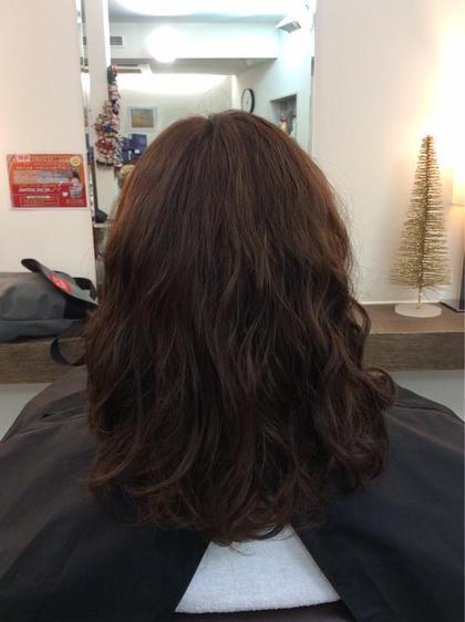 ダメージレスのパーマです! 普段は直毛の方ですが、パーマをかけてふわふわな感じに仕上げました♡ エフエール所属・浅野綾子のスタイル