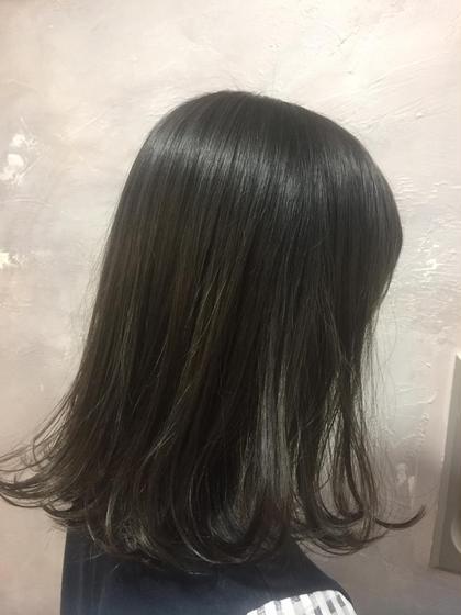 ブリーチありのグレージュカラー★ 透け感のあるグレーです!! LORE所属・宮永沙也加のスタイル