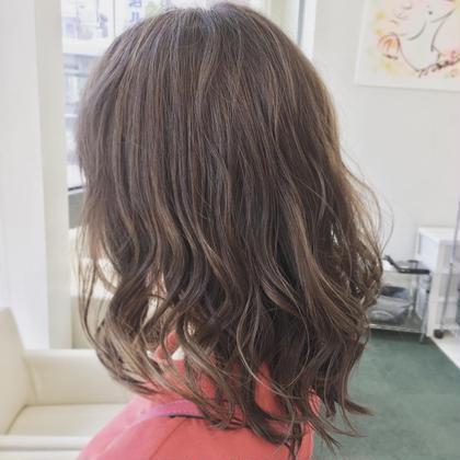 ❣️🍀2回目以降の方へ🍀❣️カット+外国人風透明感カラー+極潤トリートメント❣️素敵な髪型にしてヘアカラーも⭐️