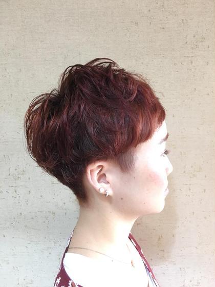 ショートヘア スタイル レッド系カラー BE AREA 1F所属・田中久普のスタイル