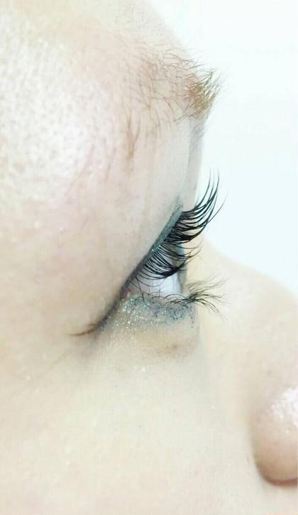 3Dロットと眉カラー 眉カラーは肌の弱い方はお断りする場合があります。 Ana所属・大内ゆうみのフォト
