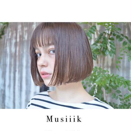 特殊な量感調節により、おさまり良くカットしていきます。再現性を重視し、ご自宅でもスタイリングしやすいようカットしていきます。 Musiiik所属・Musiiikhairのスタイル