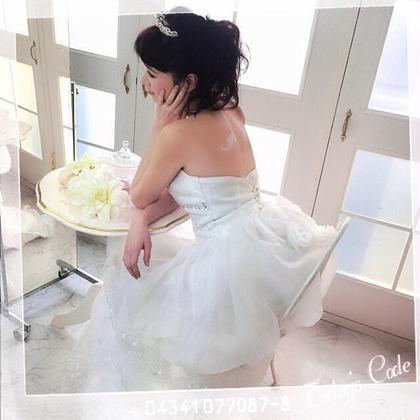 ブライダル用のボディジュエリー、真っ白な羽を入れてくれました✨ MARIPOSAボディジュエリーサロン所属・石井智美のスタイル