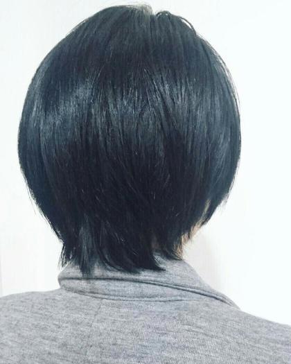【普通の黒髪に変化がほしい方へ】  ミステリアスなブルーブラックのヘアカラーで  艶やかに!普通の黒髪と差をつけて◎ ケンジ(KENJE)南林間所属・山本裕梨のスタイル