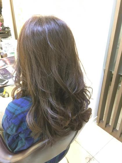 オレンジみの強かった髪をアッシュベージュに✨✨ FACE。磯子所属・田爪俊也のスタイル