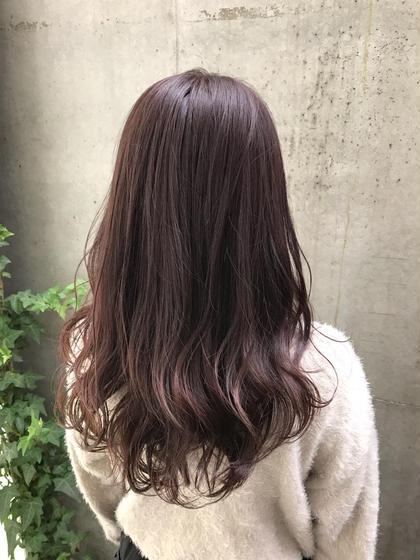 ブリーチ無しのバイオレットヘア 平井綾乃のロングのヘアスタイル