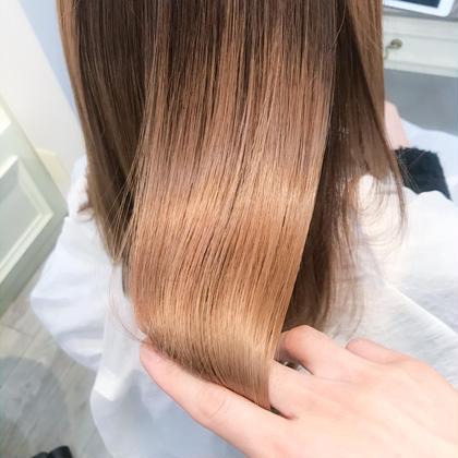 【髪質改善☆美髪チャージ】  TVやSNSで話題の、美髪になれる最上級ランクのトリートメント☆  ブリーチ毛の方でもサラサラの美髪になれます🙆♂️  熱に反応する特性があるので、毎日コテやアイロンを使う方には特にオススメです!  痛みにくく強く健康的な髪の毛に導きます💁♂️  ※ダメージが最終段階までいってしまっている部分は改善できません。