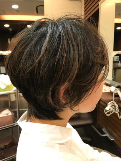 バッサリ切らせていただき、ショートパーマをかけさせていだだきましたモデルさんです(^^) neaf所属・MIZUKI★のスタイル