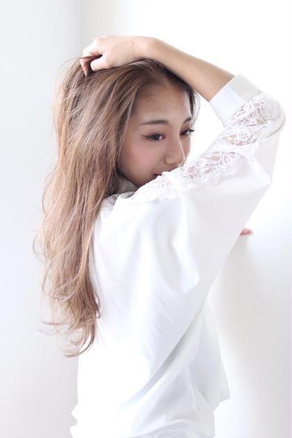 細かいハイライトを入れることで柔らかい質感に hair room .red by NYNY所属・土井浩輔のスタイル