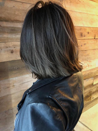 カラー highlight balayage design  ✂︎ KHANH HOA 表参道  ℡0368045616 渋谷区神宮前4-14-6 101  cut ↠¥5.000 color ↠¥7.000〜 highlight design ↠¥8.000〜 balayage design ↠¥10.000〜 cut×color×treatment ↠¥10.000 cut×highlight×treatment ↠¥11.000 cut×balayage×treatment ↠¥13.000  ↠ https://www.instagram.com/_hide1989/