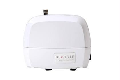 まつげエクステ専用コンプレッサー導入! エクステ装着中に風を当てることで、グルー(接着剤)の揮発を抑えるため、しみづらく、アレルギーの発生を抑えます。