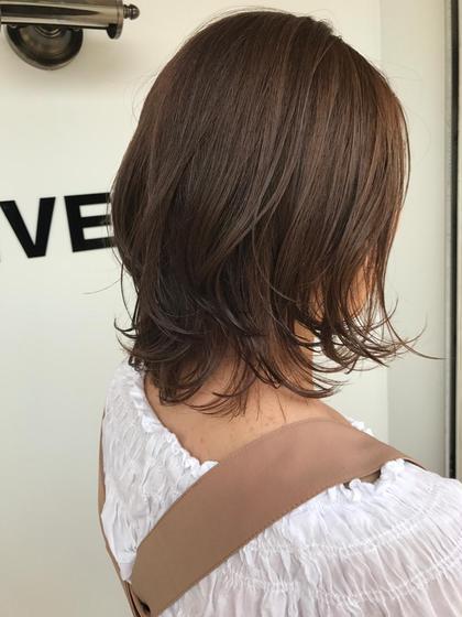 ミディアム ボブヘアに飽きてしまったら夏は軽めのレイヤースタイルに😊  フェミニンで女性らしさのあるヘアに簡単になれちゃいます❤️❤️❤️❤️  UNIVERSEで可愛くヘアスタイルイメチェンされたい方は是非お待ちしております⭐