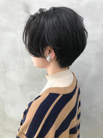 ショート    前髪の長さや、襟足の長さは 一人一人バランスや頭の形、 髪の生え方によって少しずつ変えていって 『似合う』バランスを見つけます◎ ㅤㅤㅤㅤㅤㅤㅤㅤㅤㅤㅤㅤㅤ 絶対かわいくします👏🏻 ㅤㅤㅤㅤㅤㅤㅤㅤㅤㅤㅤㅤㅤ ショート初挑戦の方もご相談ください♩♩ㅤㅤㅤㅤㅤㅤㅤㅤㅤㅤㅤㅤㅤ Instagramにもスタイルたくさん載せてます😊 @takehanaaaaa #タケハナヘア で検索してみてください⭐︎