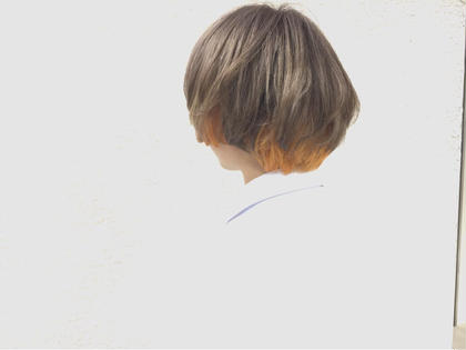 個性派ダブルカラー KENJE所属・植辻里香子のスタイル
