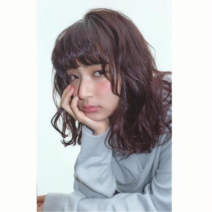 ツヤカラーと色気パーマ kith.所属・畑中菜緒のスタイル