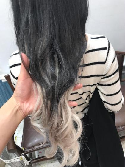 その他 ロング ダークグレーにホワイトベージュのエクステです!! カットと、少し髪色をグラデーションにすることで差のある色でも馴染みやすいです!!