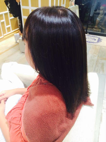 ブリーチされていて、 根元がだいぶのびてしまっていましたが、 きれきに落ち着きました☝❕  ❤︎Aujua❤︎でシャンプーしましたので 髪もつるつるになりました☺︎❤️  ご来店ありがとうございました❕ Barretta by neolive所属・密本桃子のスタイル