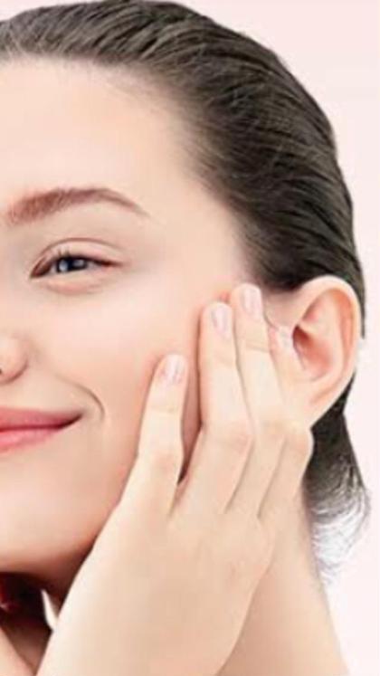 専用機器でお肌の奥までビタミンC導入で美肌エステウォーターピーリングで、毛穴の汚れを取り栄養を入れるクリーニング付