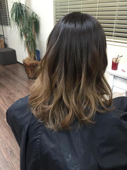 グラデーションカラー  毛先はブリーチです。 Rowel所属・河崎高仁のスタイル