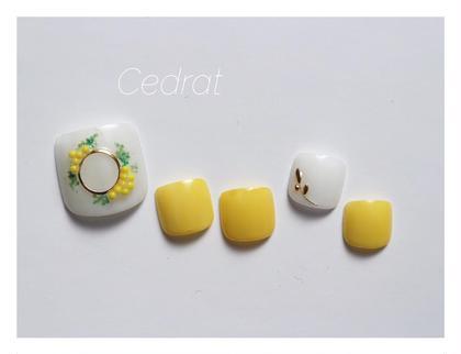 mimosa ミモザのお花をイメージしたフットデザイン♡